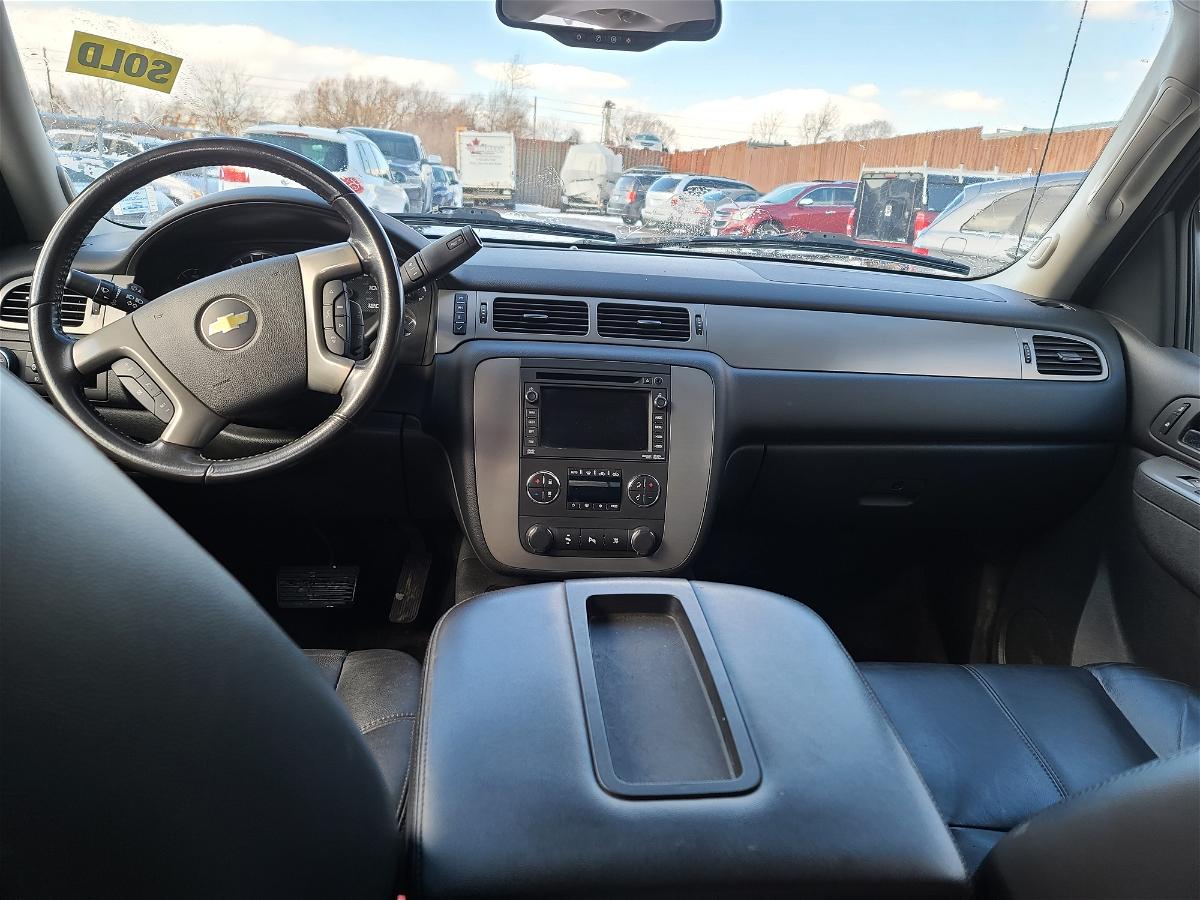 2011 - Chevrolet - Avalanche - 3GNMCFE03BG310203