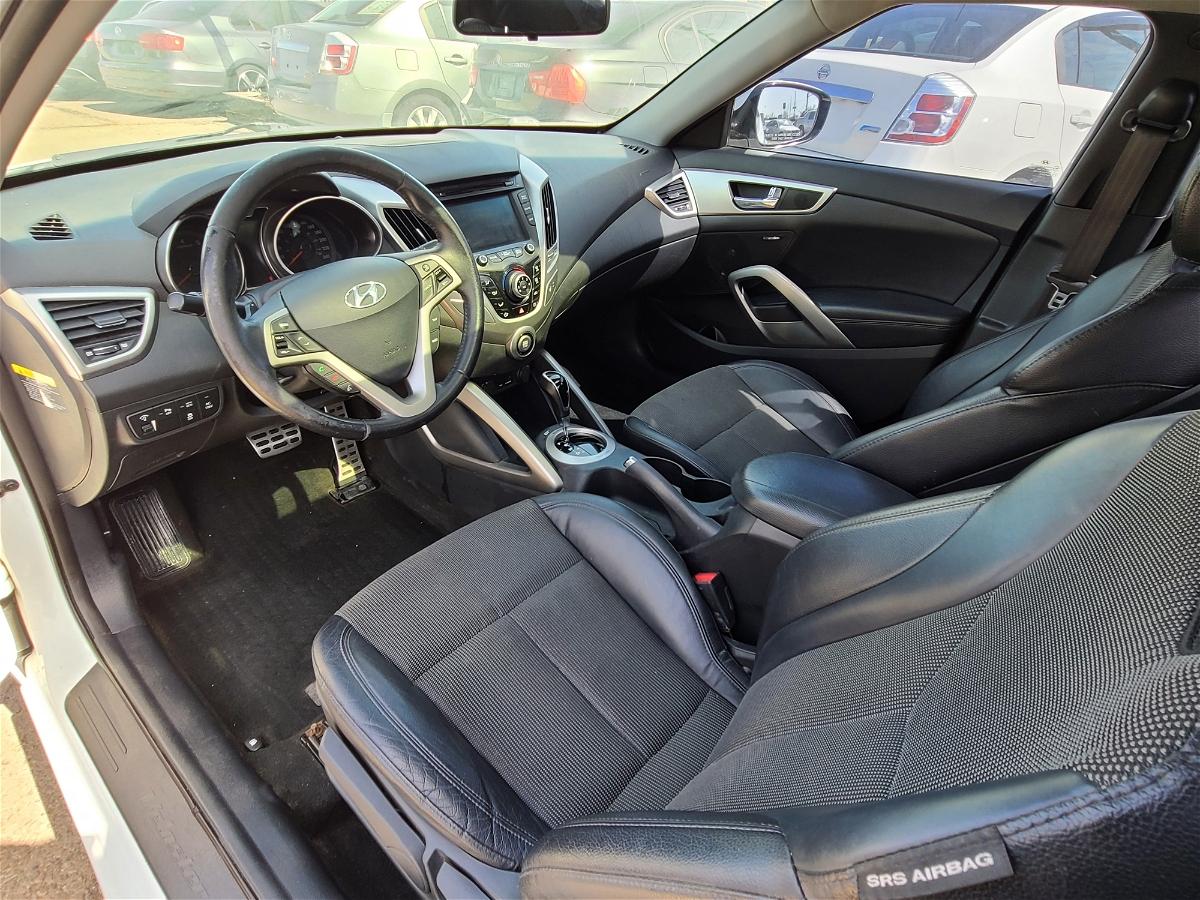 2013 - Hyundai - Veloster - KMHTC6AD2DU104945