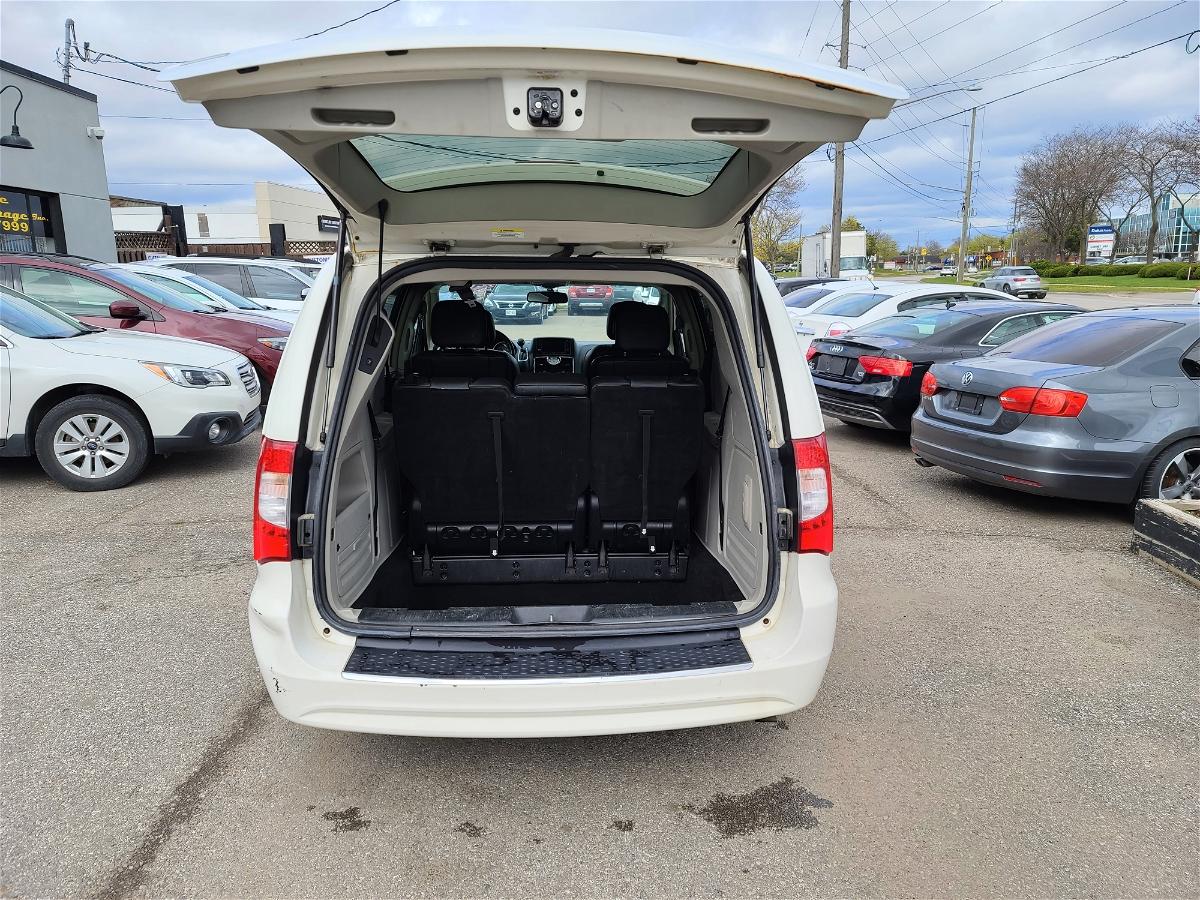 2012 - Chrysler - Town & Country - 2C4RC1BG0CR305166