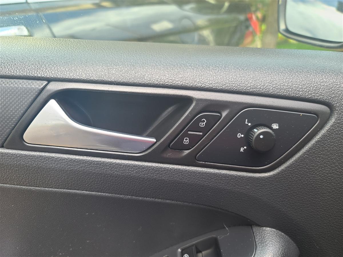 2014 - Volkswagen - Jetta - 3VW1K7AJ3EM406645