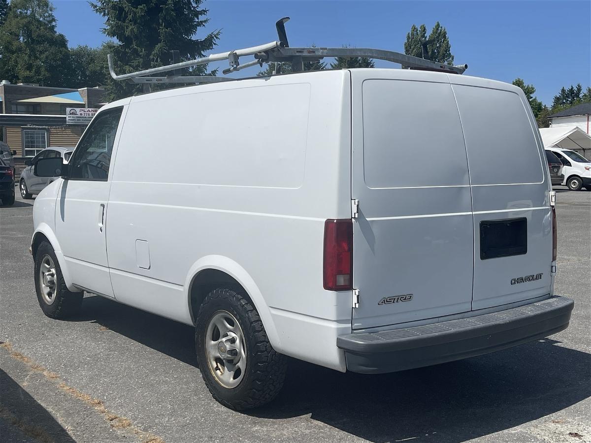 2005 - Chevrolet - Astro Cargo - 1GCDM19X75B127061
