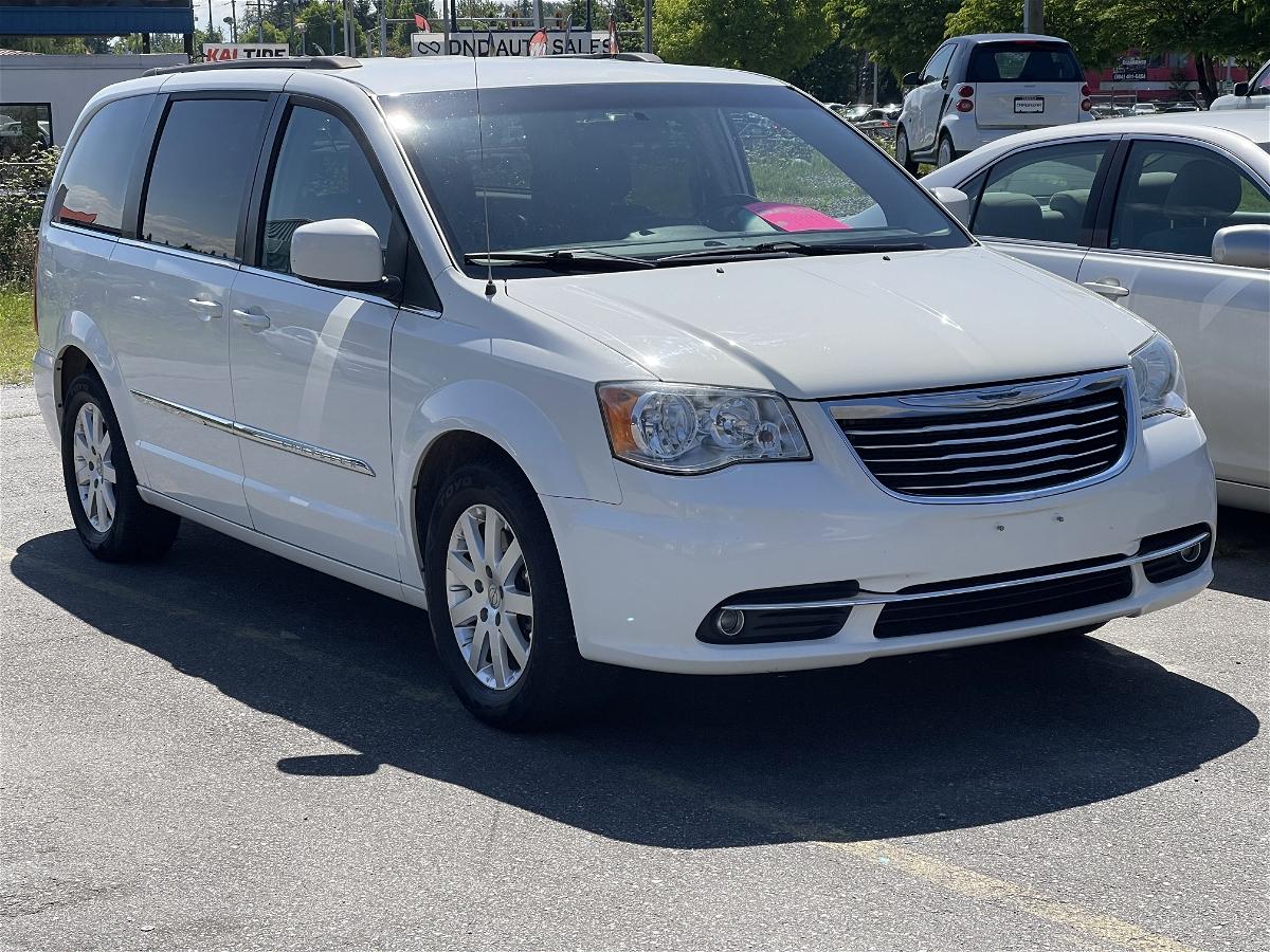 2013 - Chrysler - Town & Country - 2C4RC1BG3DR707944