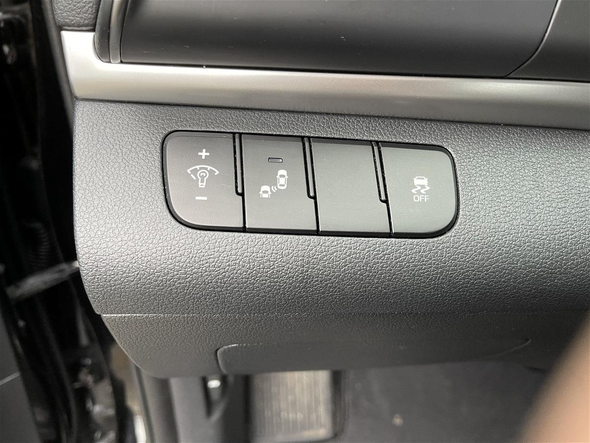 2019 - Hyundai - Elantra - KMHD84LF0KU767274