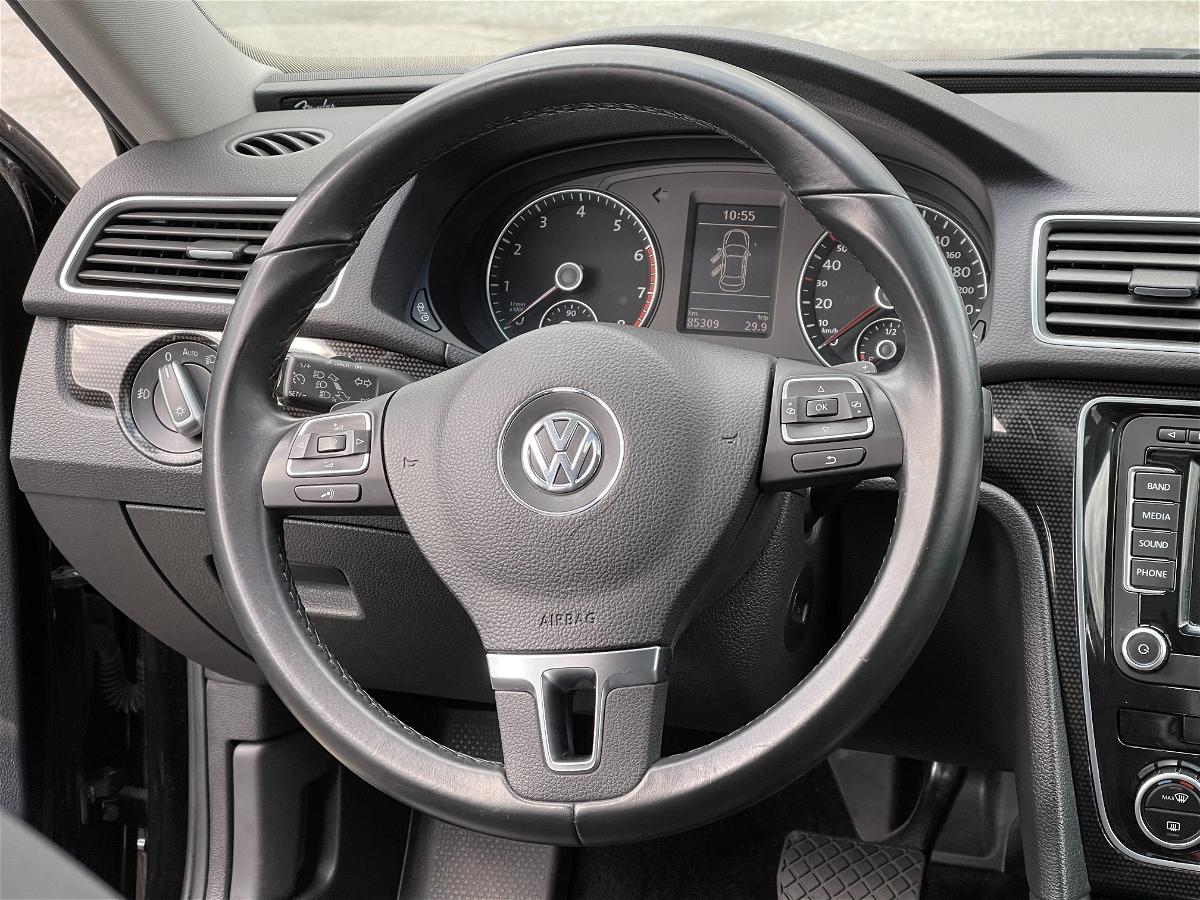 2014 - Volkswagen - Passat - 1VWCS7A37EC090548