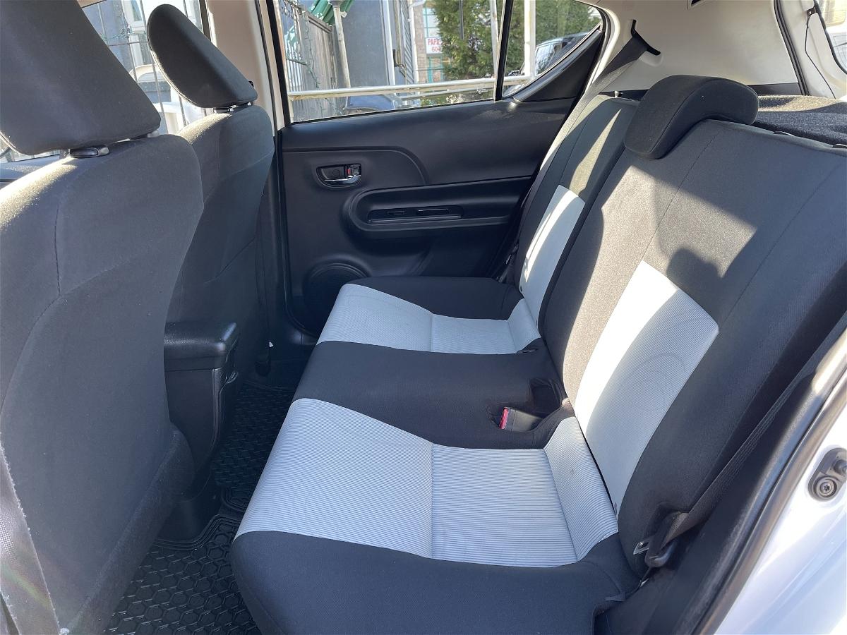 2015 - Toyota - Prius c - JTDKDTB39F1577389