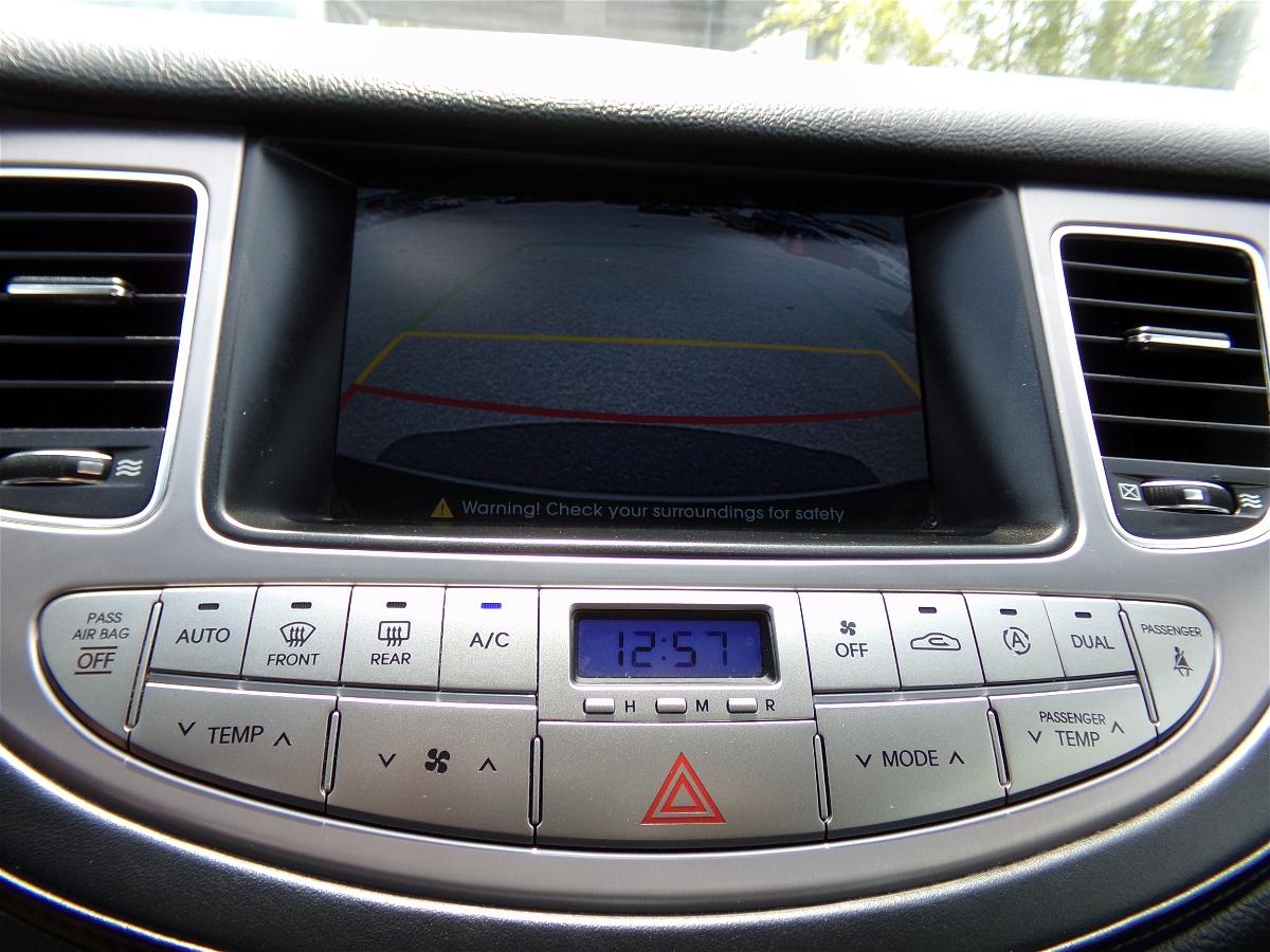 2012 - Hyundai - Genesis - KMHGC4DD6CU185478