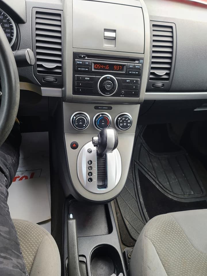 2011 - Nissan - Sentra - A_008