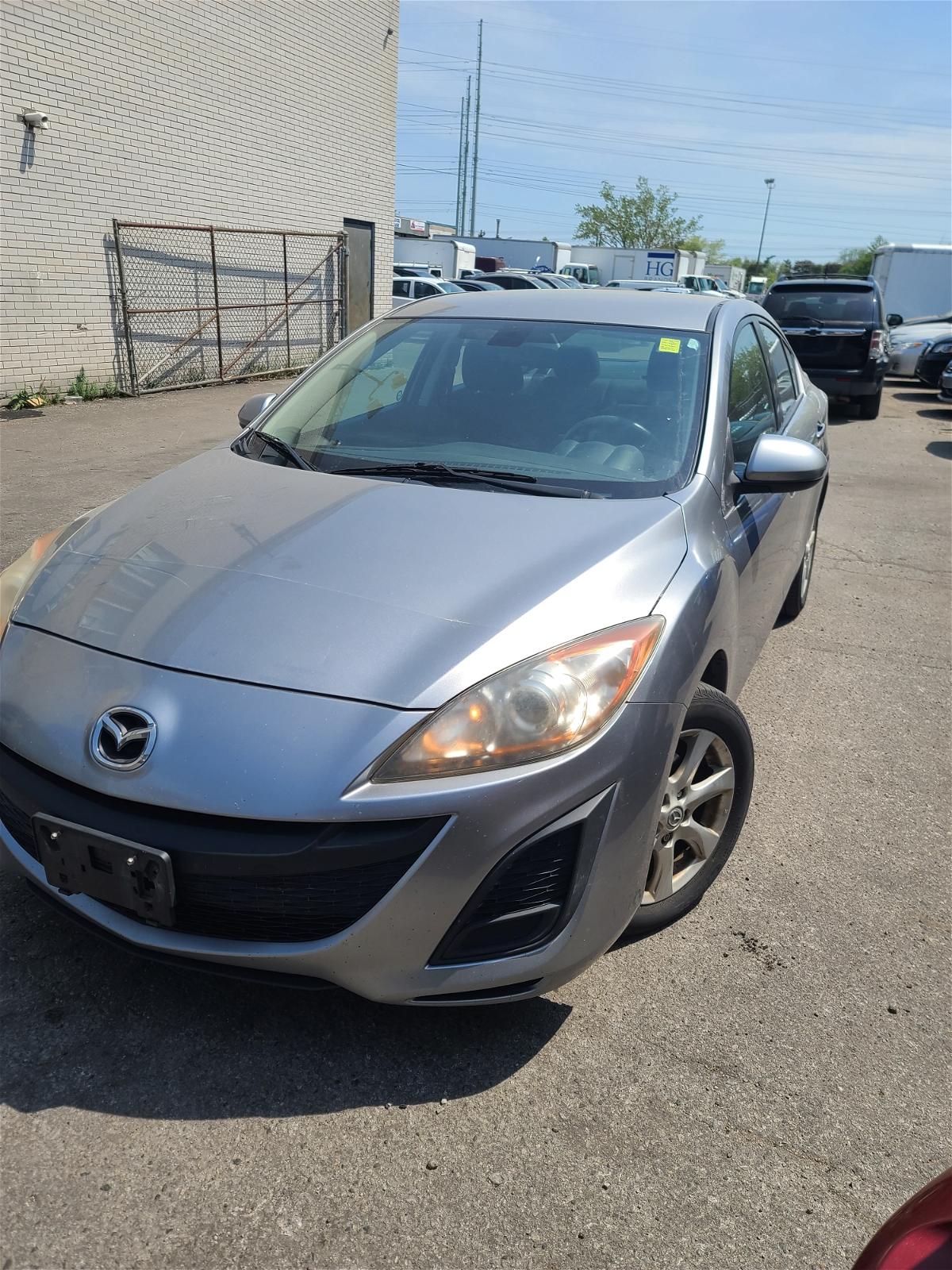 2011 - Mazda - MAZDA3 - JM1BL1VF0B1388895