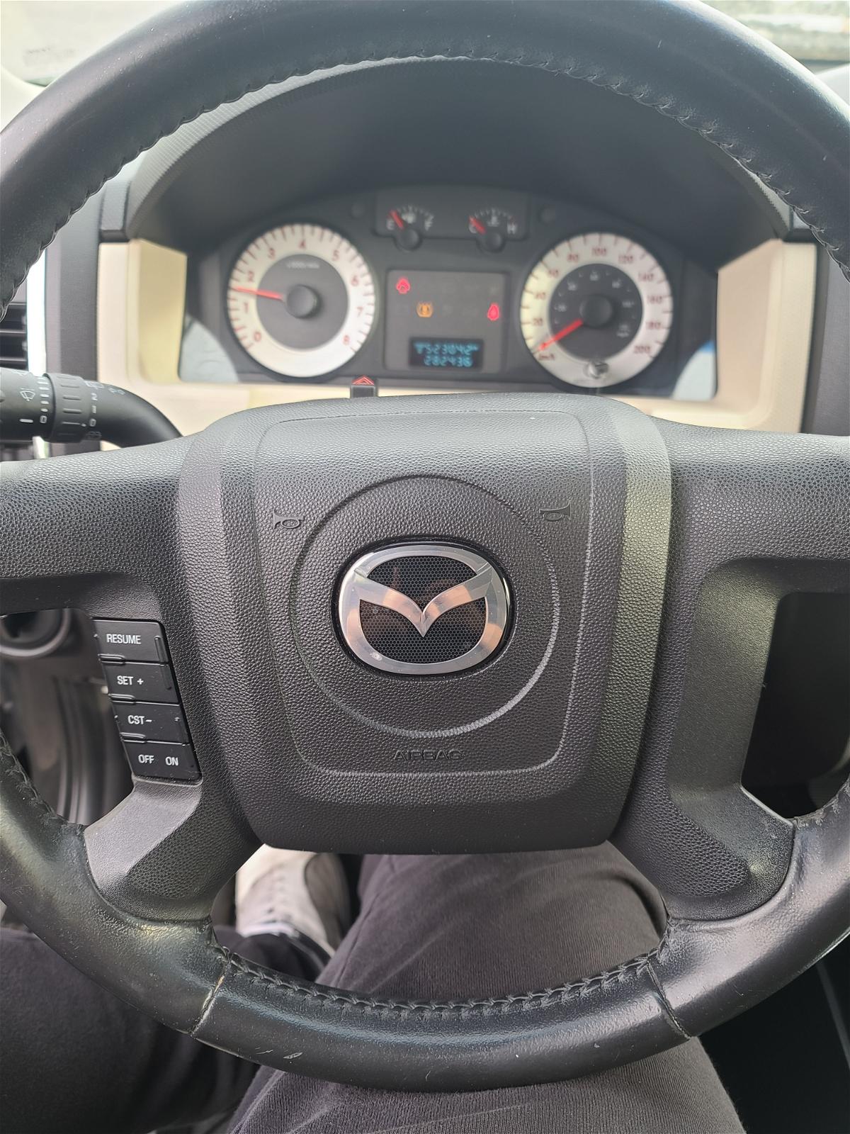 2008 - Mazda - Tribute - 4F2CZ06168KM01605