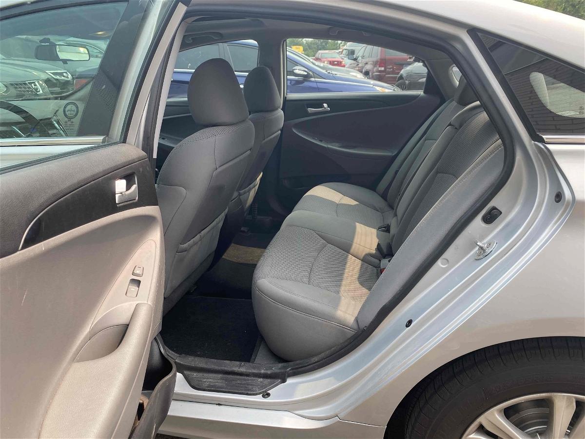 2013 - Hyundai - Sonata - 5NPEB4AC7DH743151