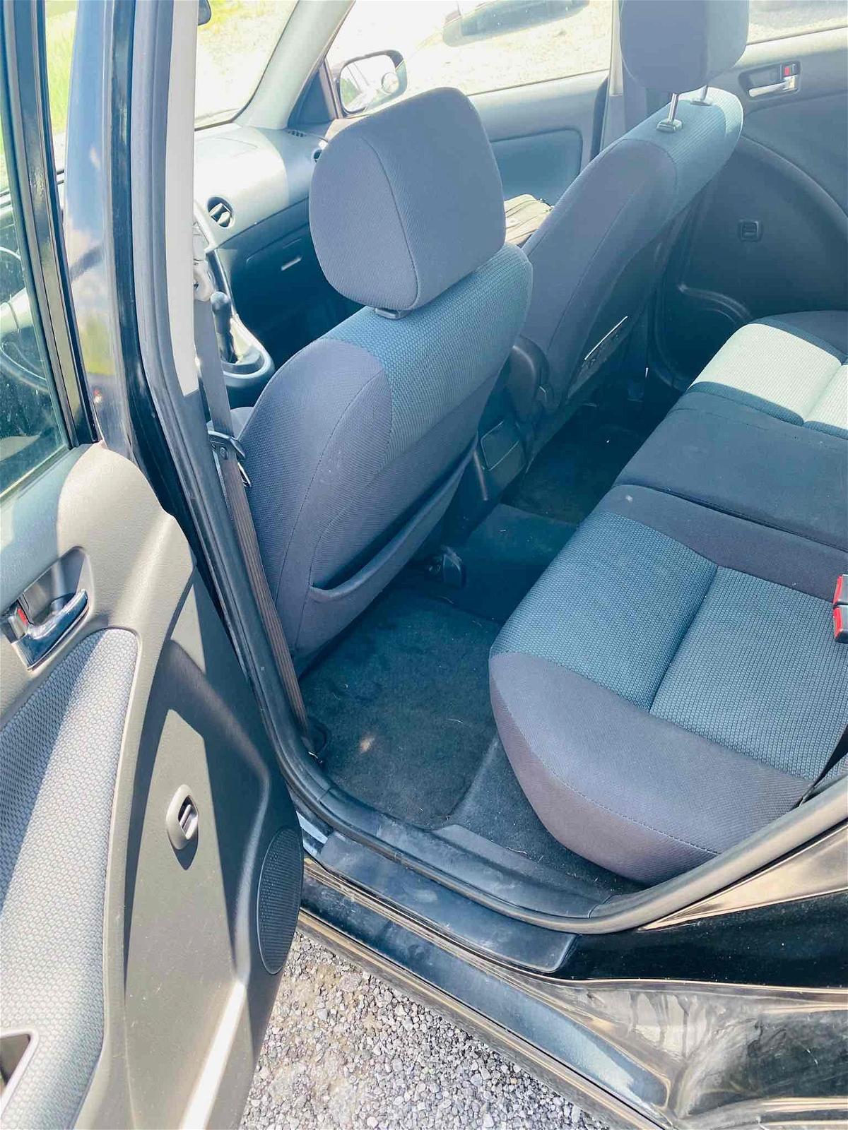 2007 - Toyota - Matrix - 2T1KR32E67C625950