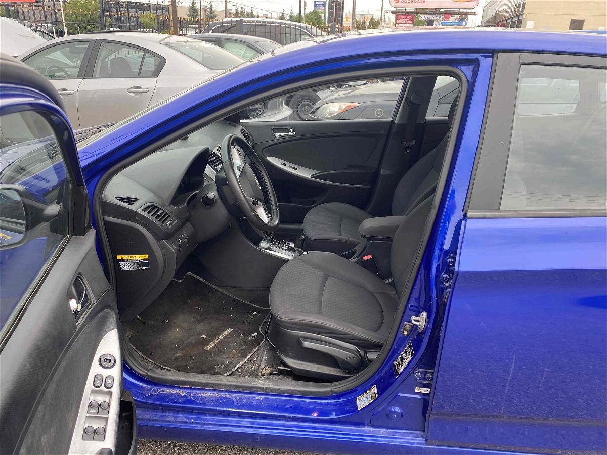 2012 - Hyundai - Accent - KMHCU5AE7CU050704