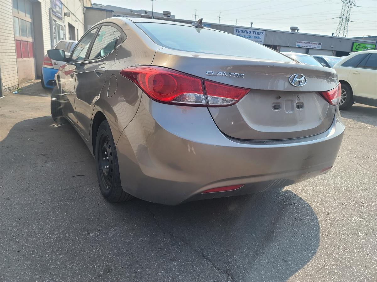 2013 - Hyundai - Elantra - 5NPDH4AE4DH153744