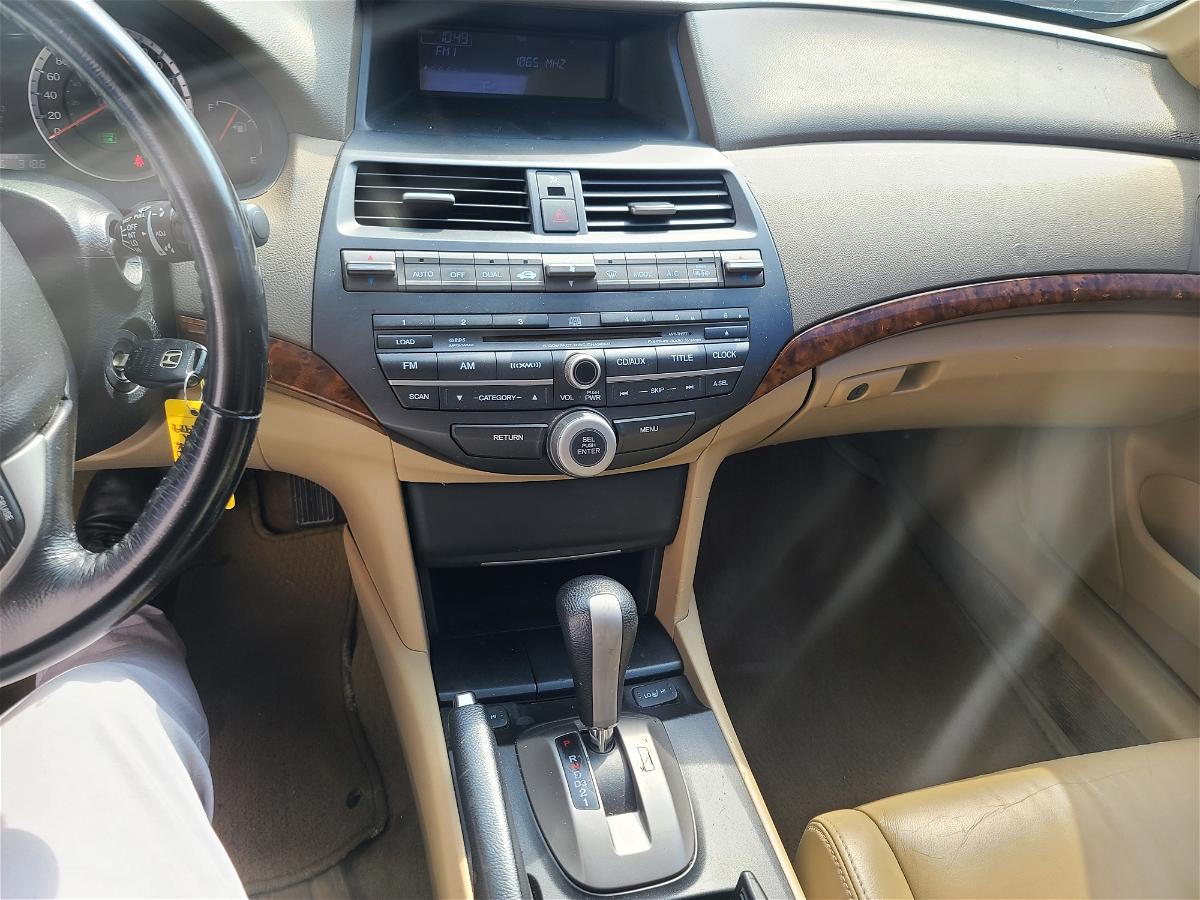 2009 - Honda - Accord - 1HGCP26879A807979