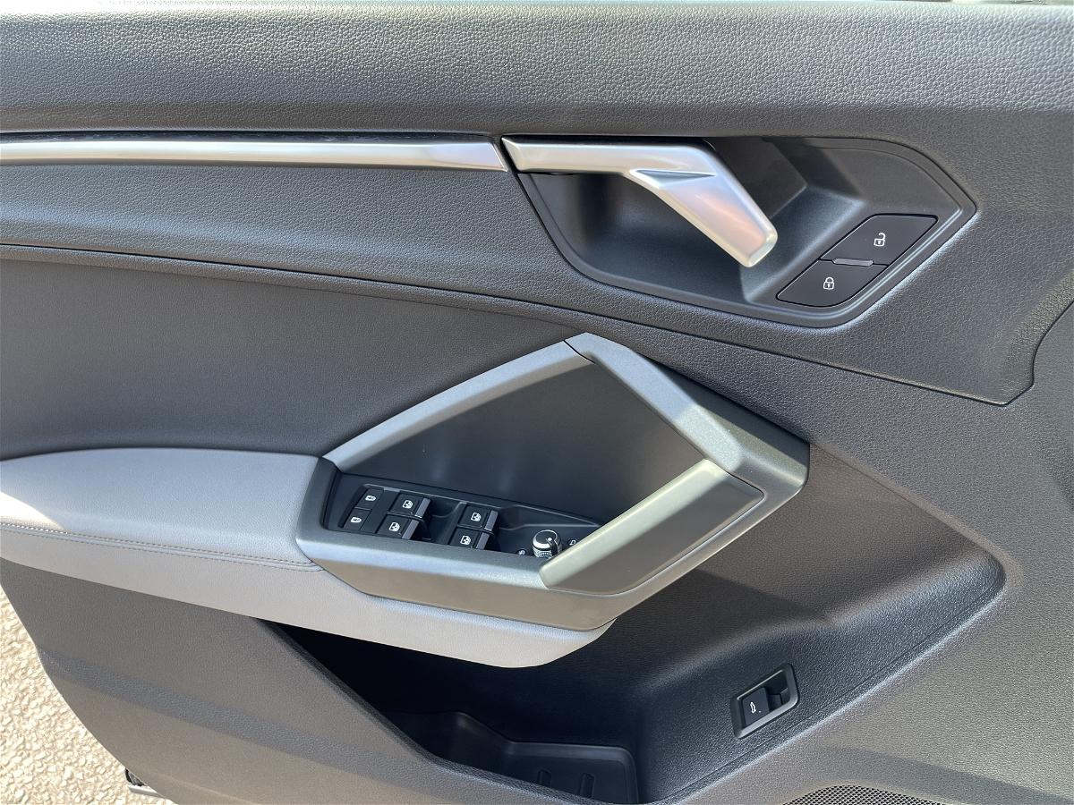 2020 - Audi - Q3 - WA1EECF34L1123917