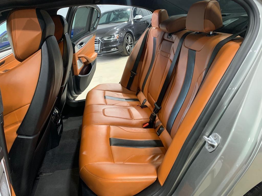 2018 - BMW - M5 - WBSJF0C52JB282277